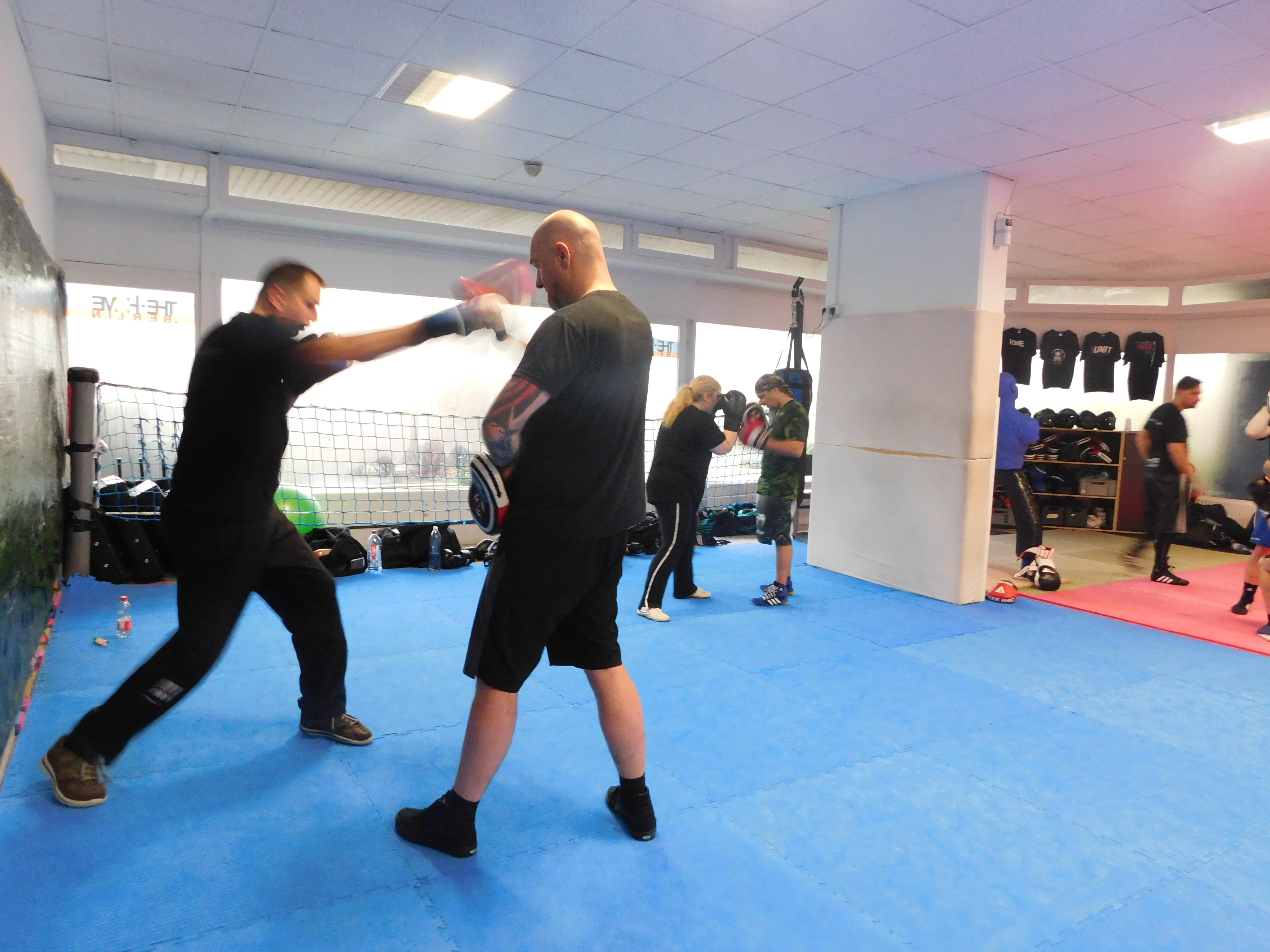 Boxgrundlagen mit Varol Agan, Krav Maga Instructor